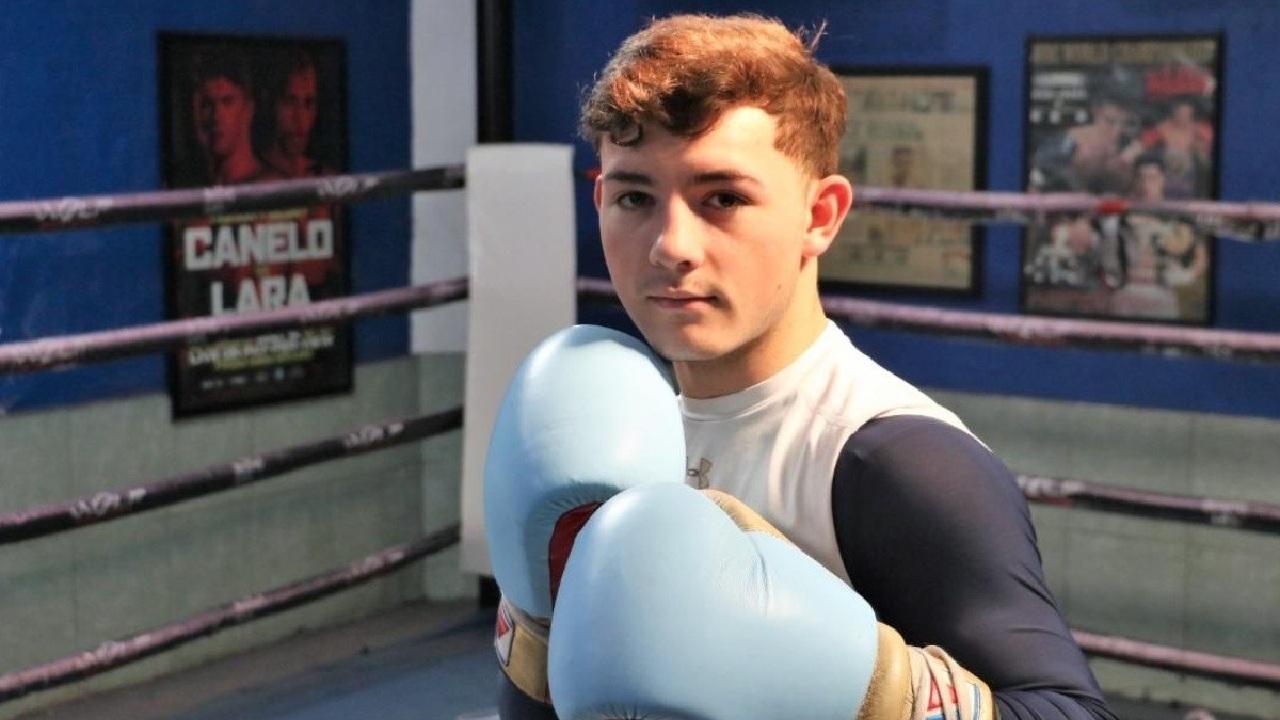 Saúl El Canelo Álvarez sobrino box boxeo profesional pelea