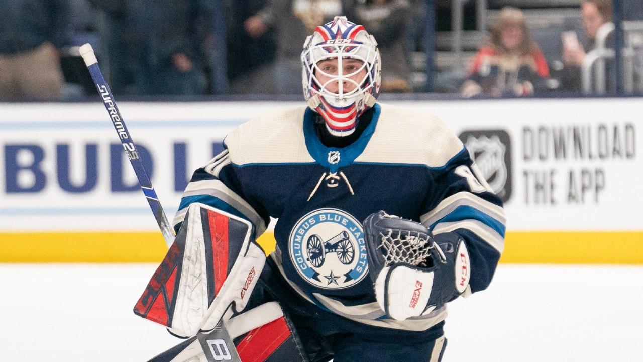 Matiss Kivlenieks muere pirotecnia NHL