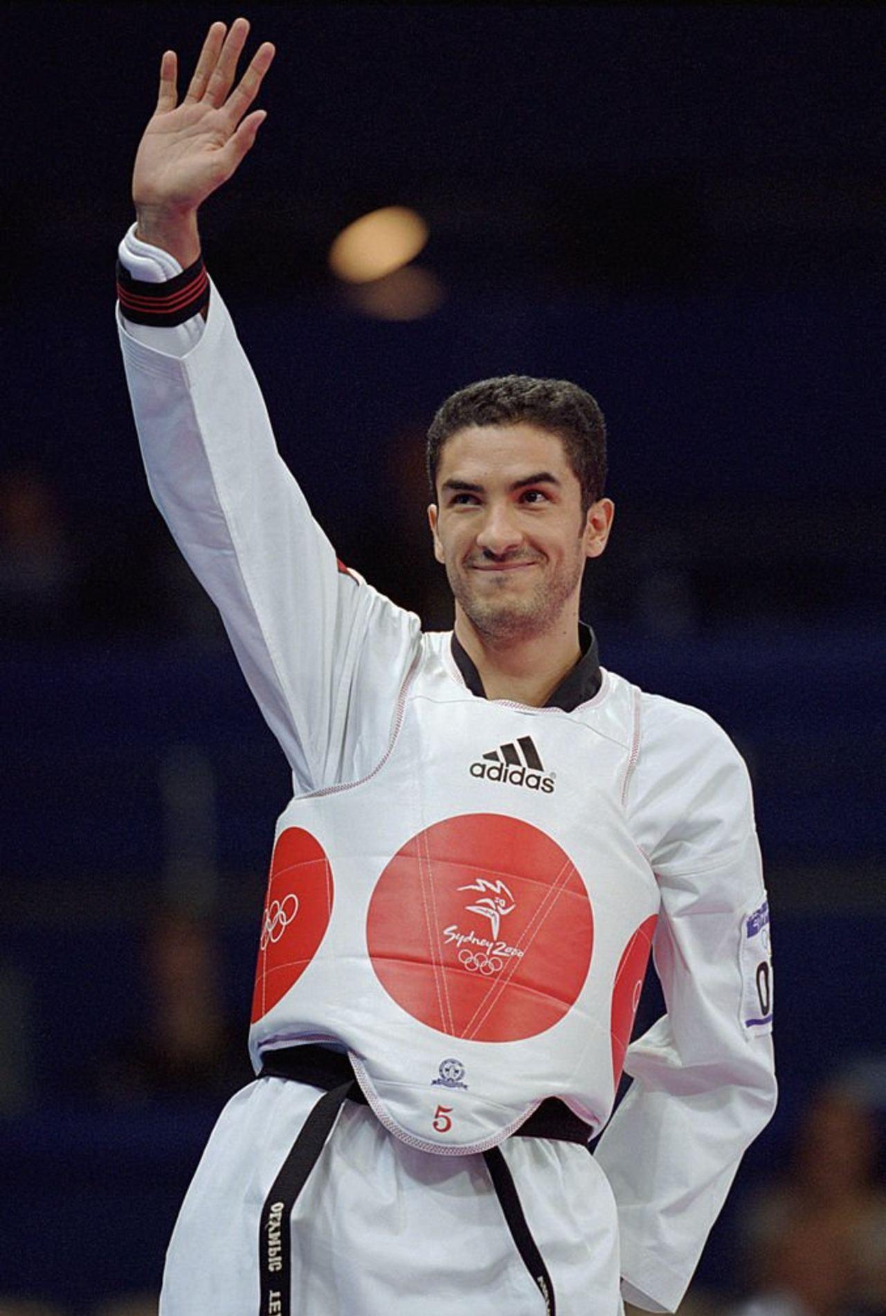 Víctor Estrada medallista Sídney 2000