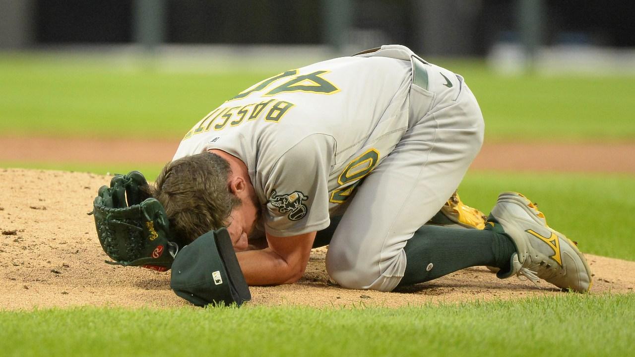 Béisbol MLB Chris Bassitt, pitcher Oakland Athletics pelotazo