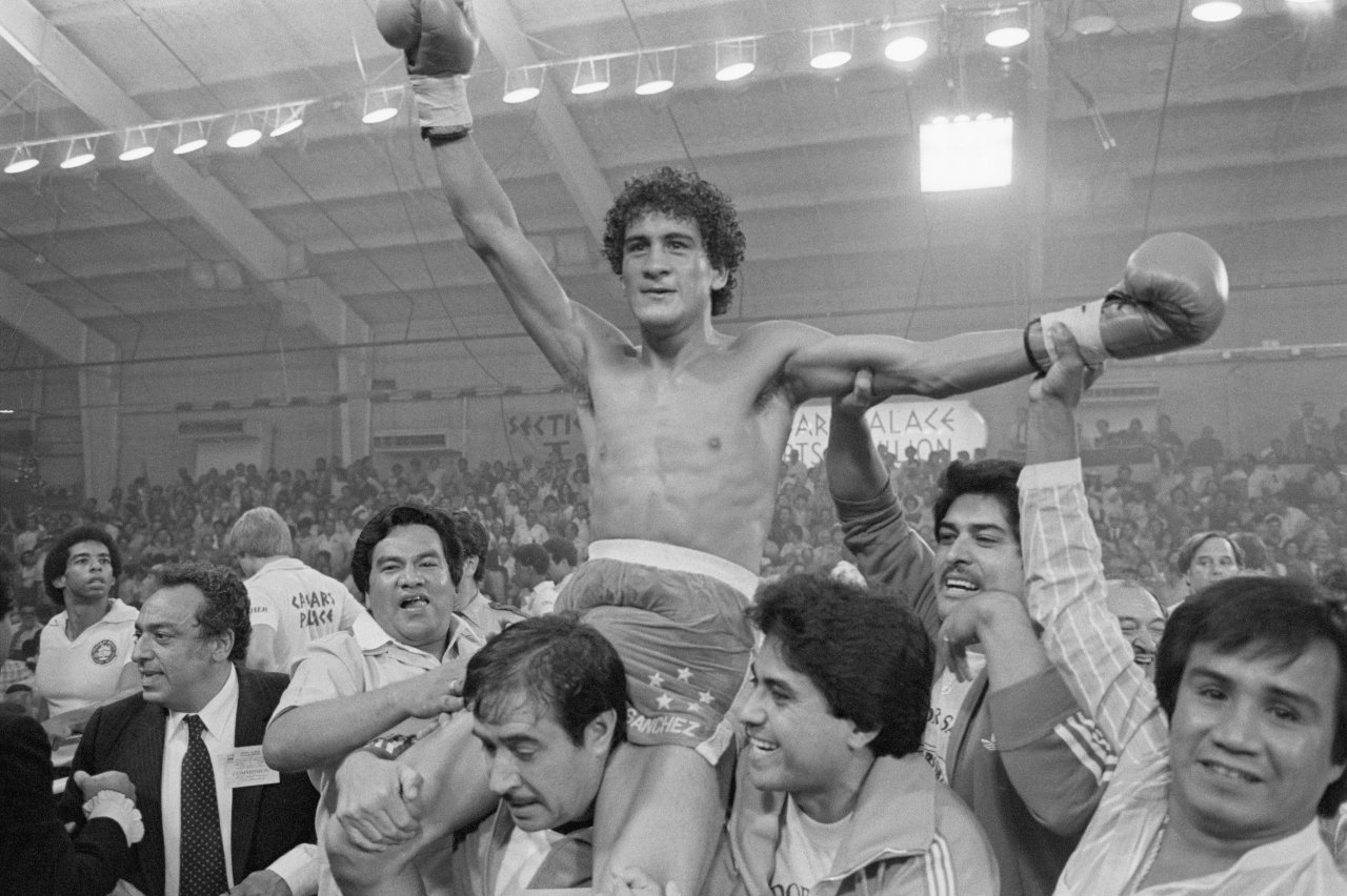 Salvador Sánchez vs Wilfredo Gómez
