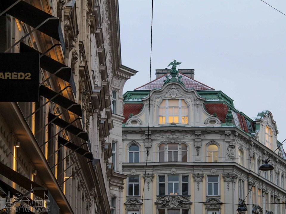 Edificios de arquitectura clásica en Viena.