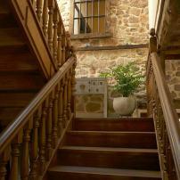 Escaleras de acceso a la primera planta
