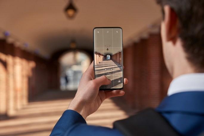 OnePlus 7 Pro-NB-Camera-OIS.jpg