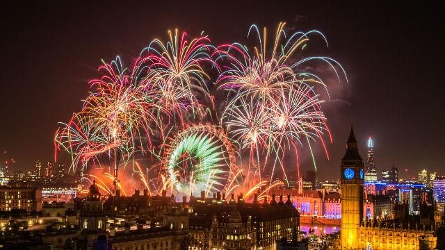 87955-640x360-newyearseve2015_fireworks2640