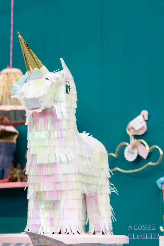 Showup Unicorn gespot bij RICE Deens merk. Holographic