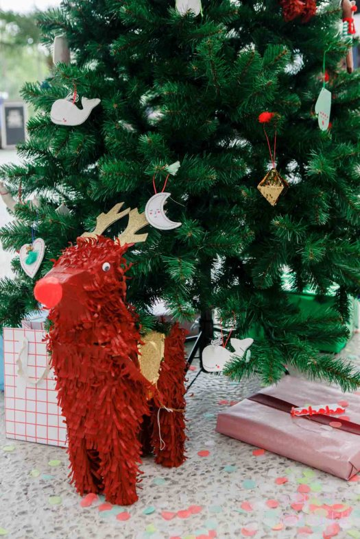 MeriMeri speciale kerstboom met rendier piñata showup 2017