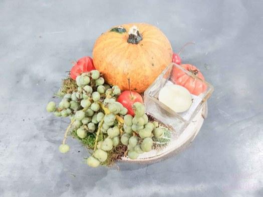 herfstvakantie diy lossebloemen.nl herfst houten plankje met lijmpistool en kalebas