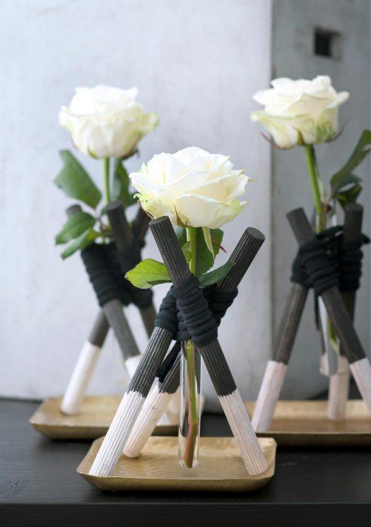 roos_diy-roos-mooiwatbloemendoen-reageerbuisje-witte-roos-doe-het-zelf-met-losse-bloemen-gezellige-december
