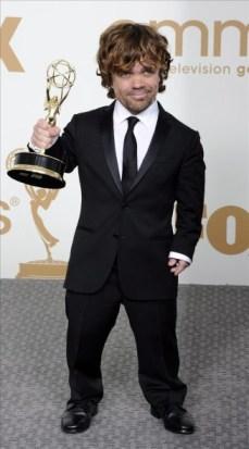 Peter Dinklage con su Emmy