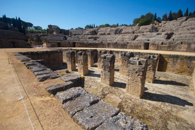 Ruinas romanas de Itálica, en Santiponce. En Juego de Tronos: Pozo Dragón