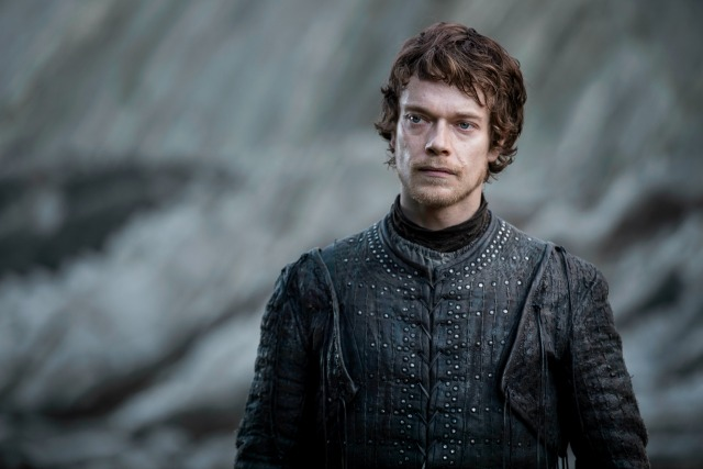 theon-dragonstone-2-season-7-707-the-dragon-and-the-wolf