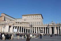 Auf dem Piazza San Pietro (Petersplatz)