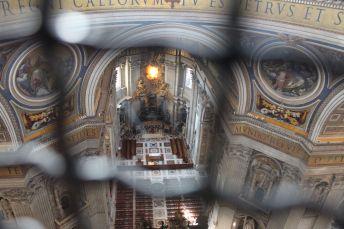 Blick von der Kuppel hinunter zur Kirche