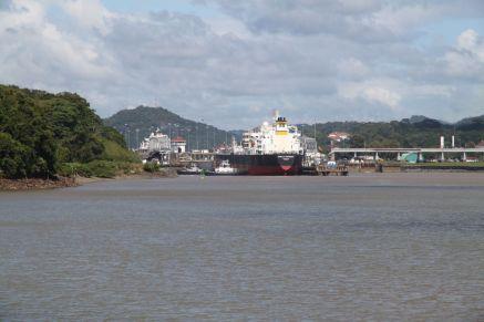 Einfahrt zu den Miraflores Locks