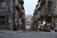 Blick durch die Straßen auf den Douro