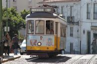 Lissabons berühmte Linie 28 in der Alfama