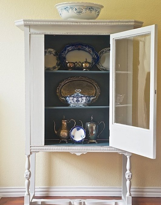 This China Cabinet Gets New Life with Fusion Mineral Paint { Furniture Makeover }