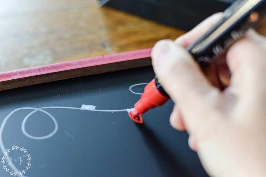 easy-diy-christmas-chalkboard-with-chalkola-arts-chalk-pens-6