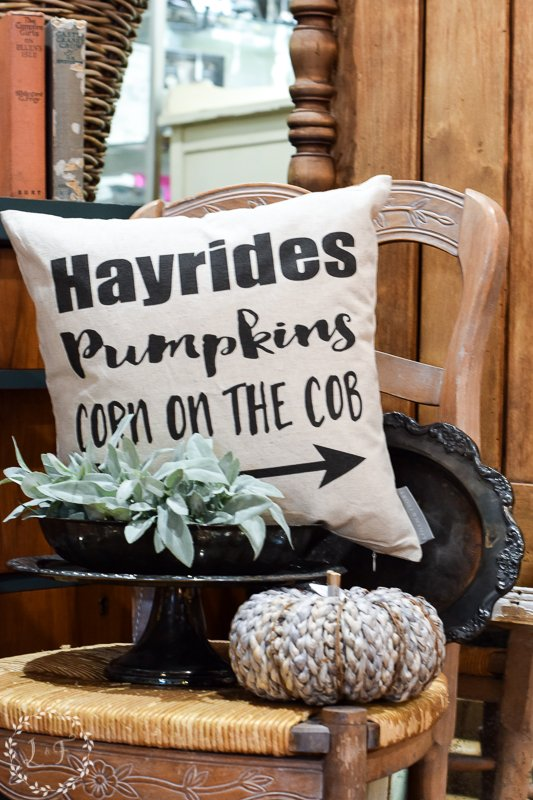 fall antique booth displays 5