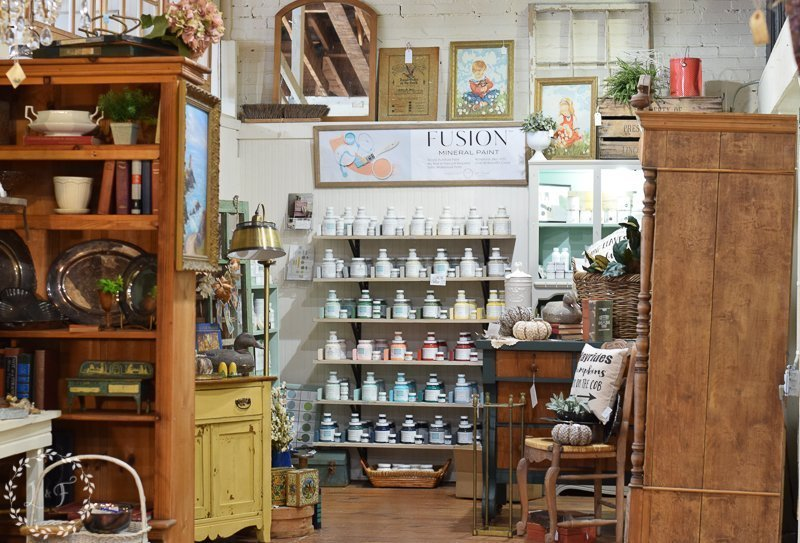 fall antique booth displays 1