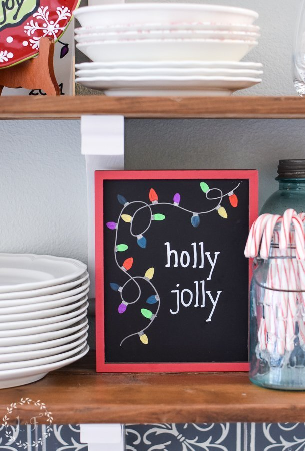 easy-diy-christmas-chalkboard-with-chalkola-arts-chalk-pens-8