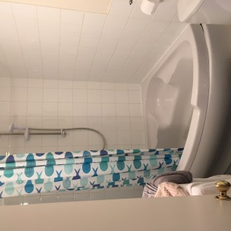 BakersCottage-Bathroom