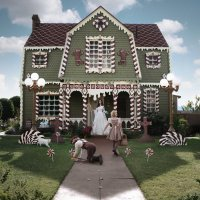 Artist Turns Parents' House Into Life-Size Gingerbread House