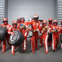 Insanely Fast Ferrari F1 Pit Crew in Motion
