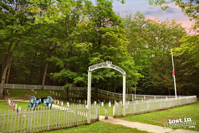 mackinaw island post cemetery