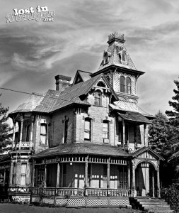 st louis house bw