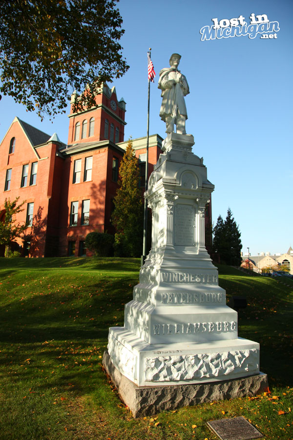 grand traverse county courthouse civil war statue