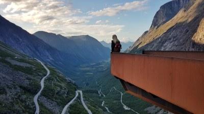 Uitzicht over Isterdalen vanaf het Trollstigen uitkijkpunt