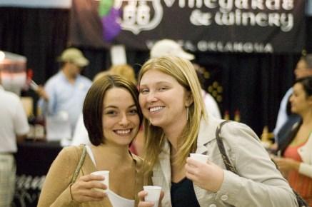 Elizabeth and Abbie 1_1386551019_o