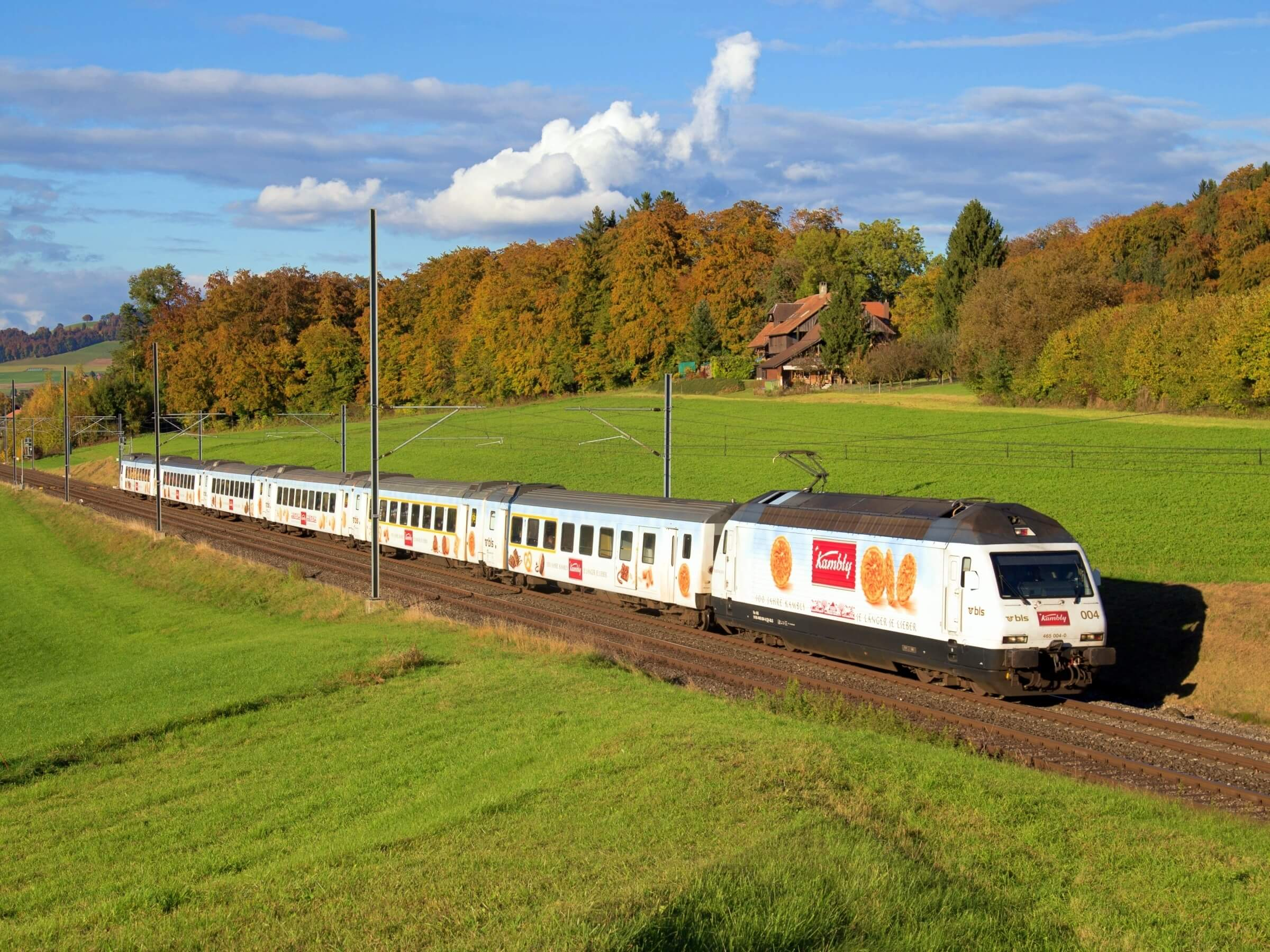 The Kambly Express runs twice a day between Bern and Lucerne.