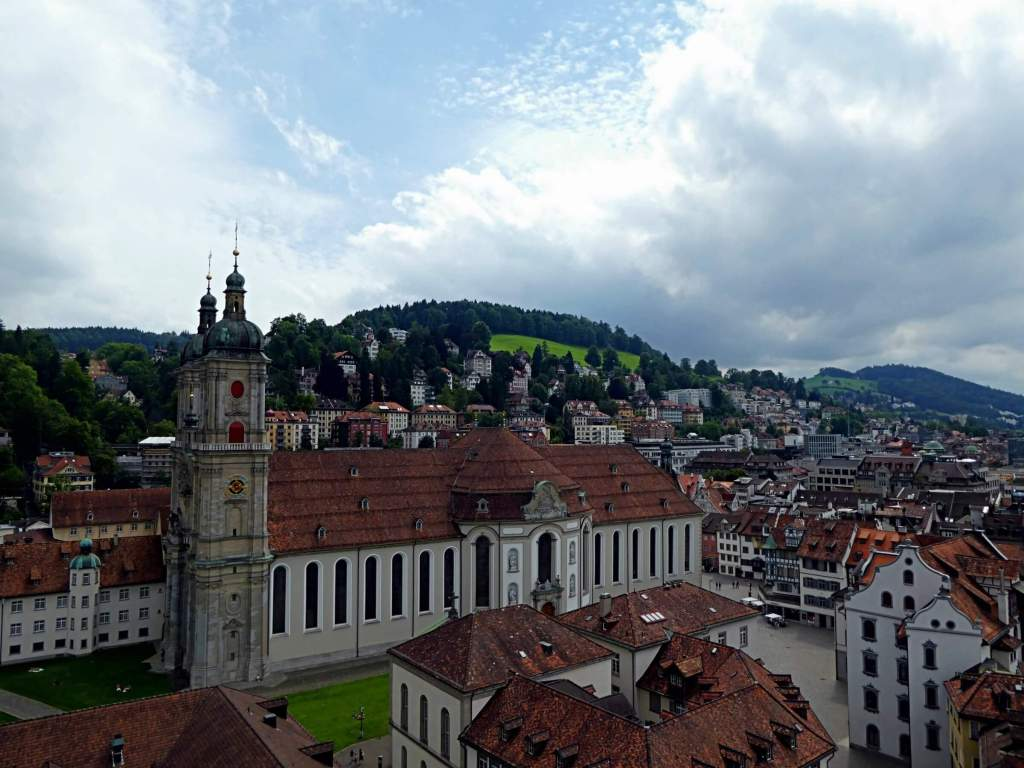 View over the Abbey district and the cathedral from the Laurenzenkirche.