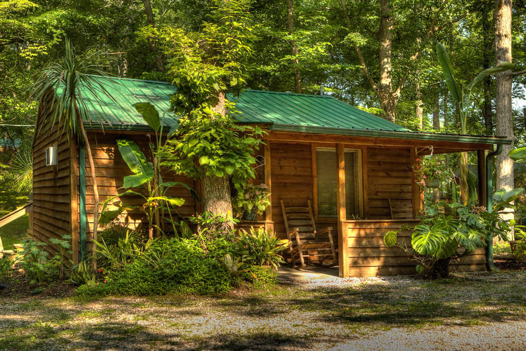 Searching for cabins at Lake Cumberland?  Look no further than the Lost Lodge Resort, just minutes from the lake.