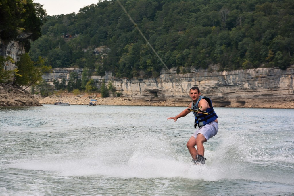 Looking for lodging near Conley Bottom Marina?  Then, consider a fun cabin vacation at the Lost Lodge Resort.