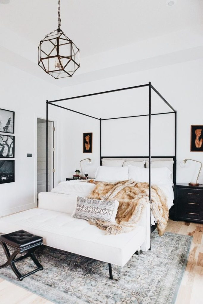 How To Pick The Right Size Rug For Your Bedroom