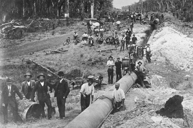 Laying_the_golden_pipeline_Perth_Kalgoorlie