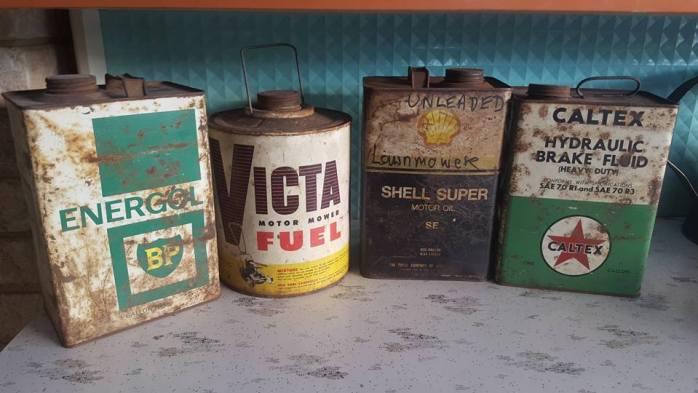 petrol tins bp zoom
