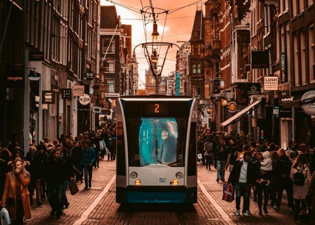 Tram in giro per Amsterdam sfruttando la I Amsterdam Card