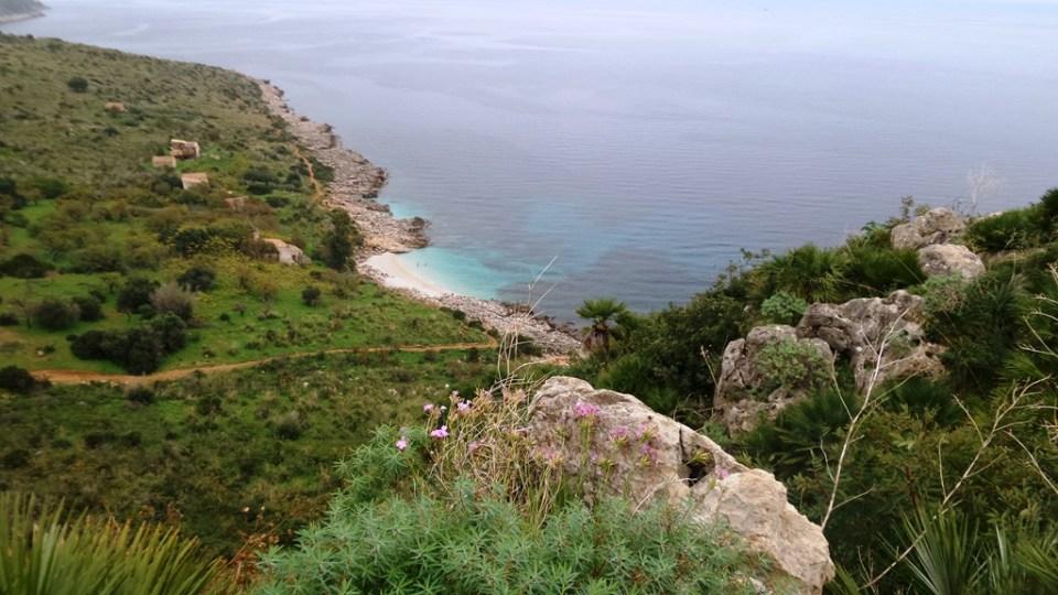 Veduta dal sentiero alto della riserva dello zingaro