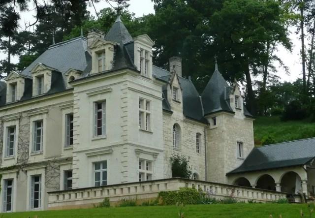 Lo Chateau de Lalisse è in realtà un castello fittizio. Nella realtà si chiama Chateau de Sonnay ed è nella valle della Loira