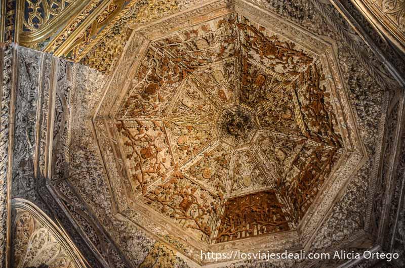cúpula muy ornamentada