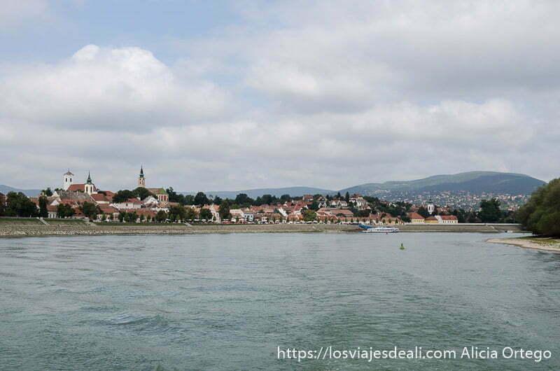 szentendre visto desde el Danubio
