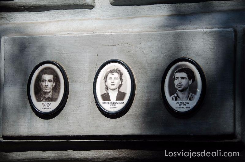 fotos de detenidos en la casa del terror con su nombre debajo pasado  comunista de budapest