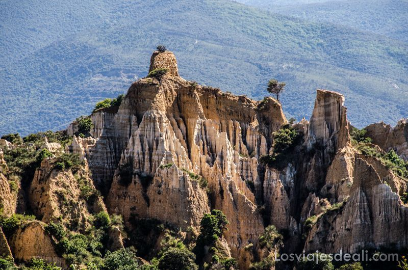formaciones calcáreas cerca del refugio la batére