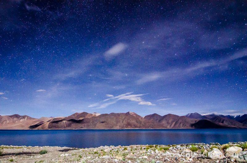 noche en el lago pangong