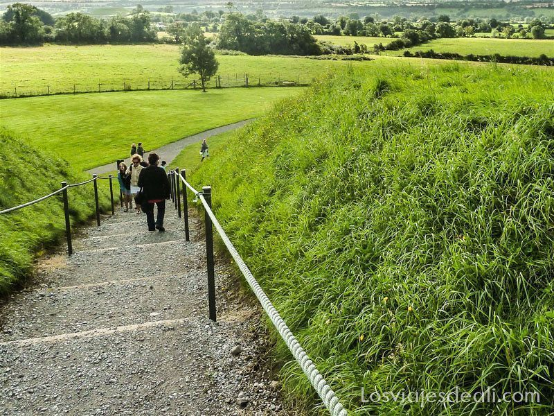 paisaje irlandés que rodea a Newgrange